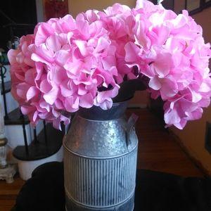 Beautiful Flowal arrangement